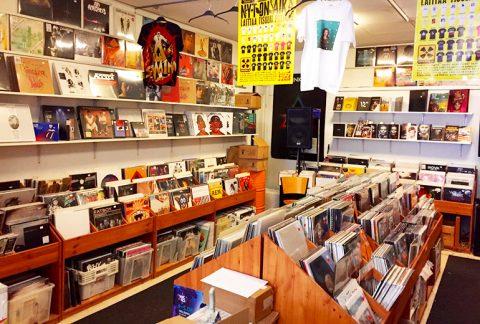 Disques-Vinyles-Helsinki-Levykauppa-Ax-2